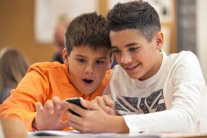 Usar ou não o celular em sala de aula?