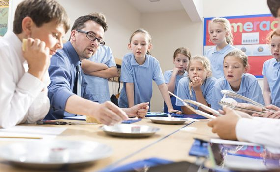 Como desenvolver as competências do século 21 na escola