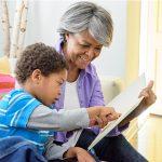 Avós ajudam as mães a retornarem ao mercado de trabalho