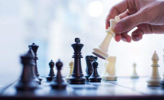 Máquina aprende xadrez em apenas quatro horas