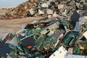 China deixa de ser o principal contêiner de lixo eletrônico do mundo