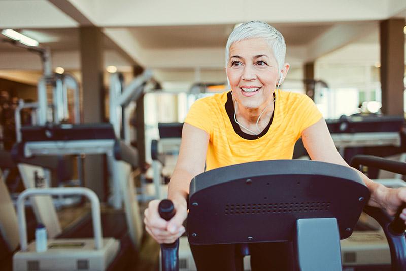 Estudo analisa eficácia de atividades físicas para pacientes com Parkinson