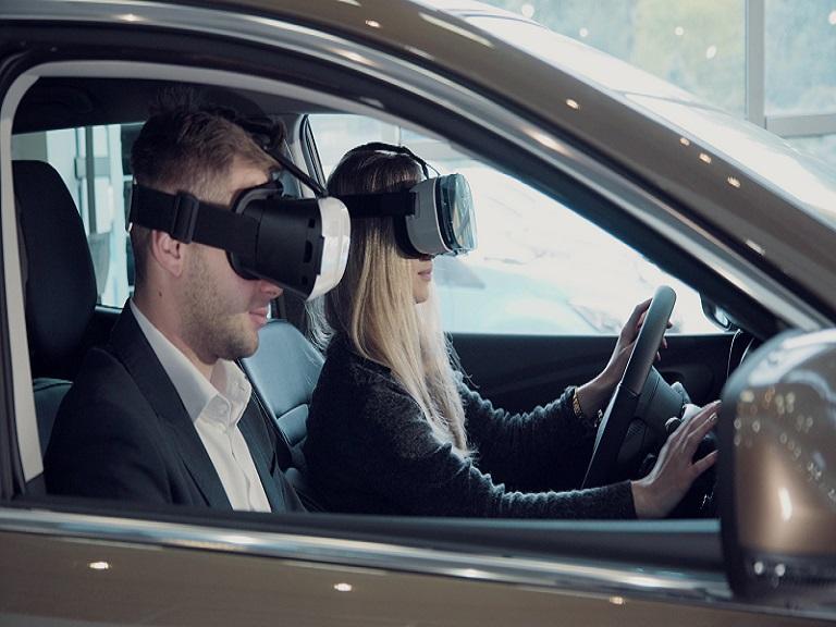 Autoescolas usam óculos de realidade virtual