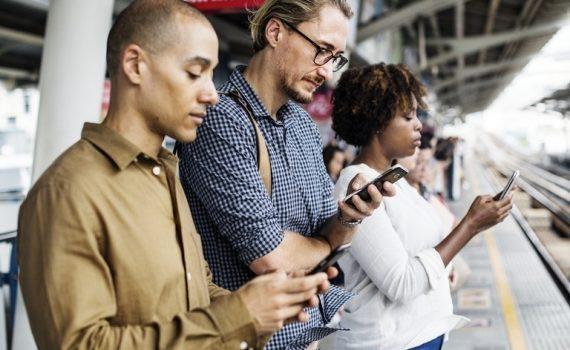 O que acontece com os celulares quando ficam velhos?