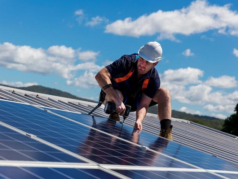 Califórnia exige colocação de painéis solares em domicílios a partir de 2020