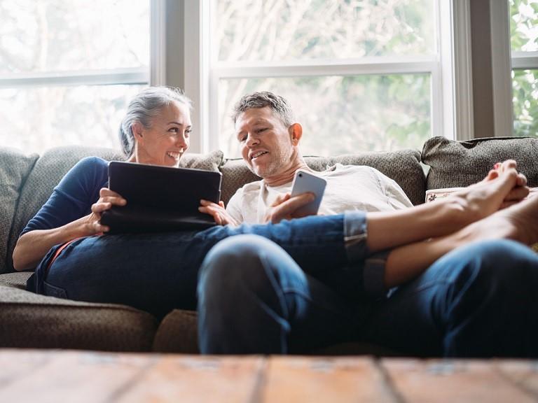 Um estudo destaca que idosos que nos últimos 12 meses tiveram algum tipo de relação sexual tiveram a sensação de aproveitar mais a vida