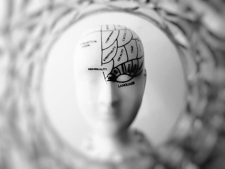 Alzheimer causa atrofia no cérebro antes dos 40 anos