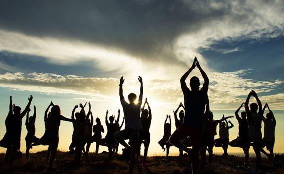 Aulas abertas reúnem milhares de praticantes de Yoga
