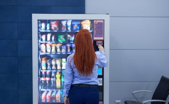Regular a oferta das máquinas de alimentos em espaços públicos