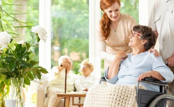 Assistência a idosos recebe impulso em Madri