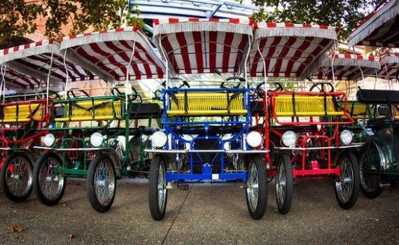 Solidariedade na forma de triciclos para idosos