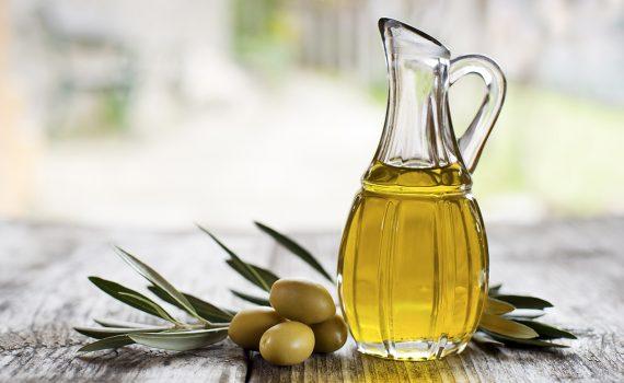 Consumo de azeite de oliva ajudaria a diminuir coagulação no sangue