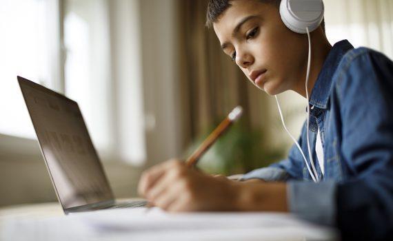 Desafios e alternativas de aulas digitais durante o isolamento