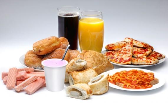 Riscos dos alimentos ultraprocessados para idosos