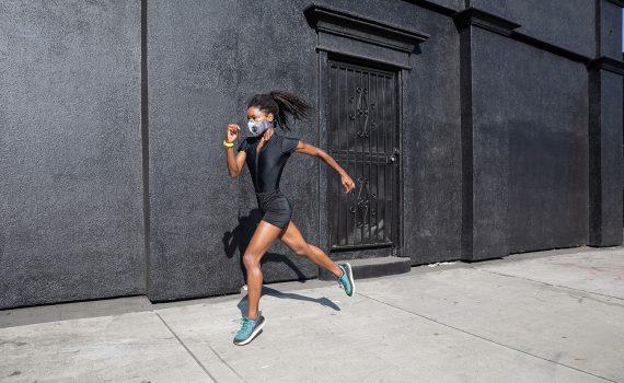 A máscara durante as práticas esportivas de alta intensidade