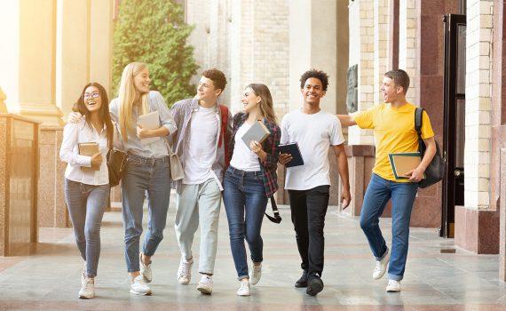 Liberdade, linguagem, esperança: o que nos deve dar a escola para nossa educação