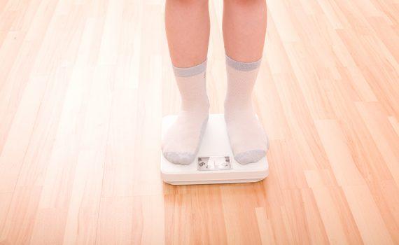 Aumenta o bullying em crianças com obesidade durante o confinamento