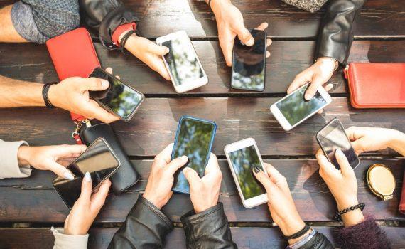 A preocupação cresce com o vício em telefones celulares