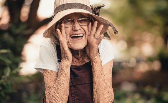 A invisibilidade das mulheres idosas