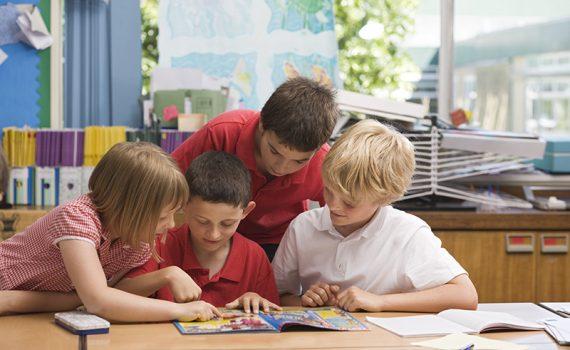 Guia de recursos para ensinar habilidades de gestão de projetos a crianças