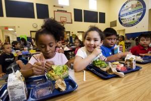 La alimentación y el deporte en las escuelas contra la obesidad infantil