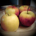 apples 150x150 Anorexia y bulimia amenazan a niñas y varones