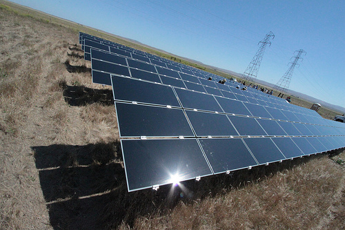 China planea triplicar sus instalaciones de energía solar hasta el 2017