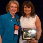 Opiniones FUNIBER: Ex alumna de FUNIBER recibe premio en EUA