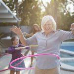 Grasa en la cintura puede representar un riesgo en mujeres mayores