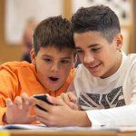 ¿Usar o no el móvil en el aula?