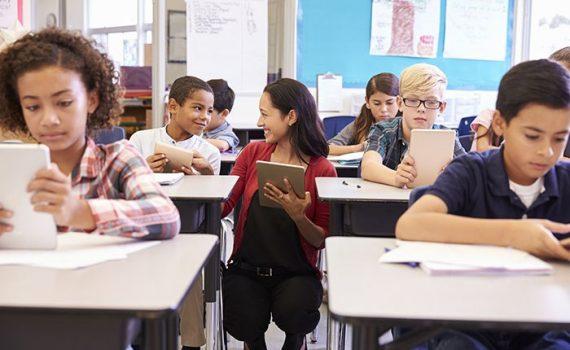Experta defiende una alfabetización con métodos variados