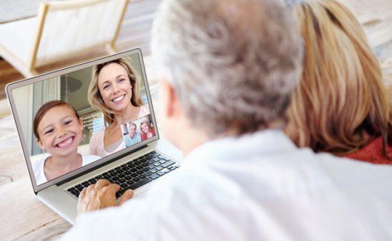 Adultos mayores cuentan con tecnologías que pueden mejorar sus vidas