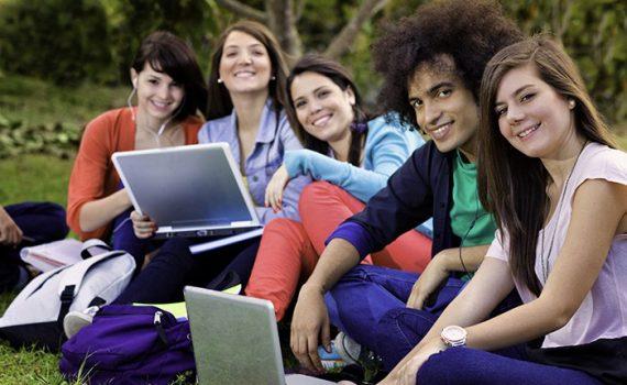 Explorar la redacción colaborativa y creativa con herramientas TIC