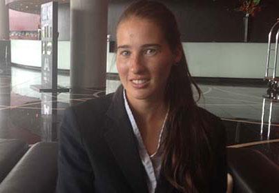 Alumna becada por FUNIBER realiza prácticas de Dirección estratégica en Barcelona