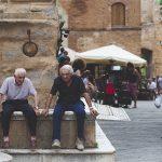 Un estudio evalúa la participación social de los adultos mayores