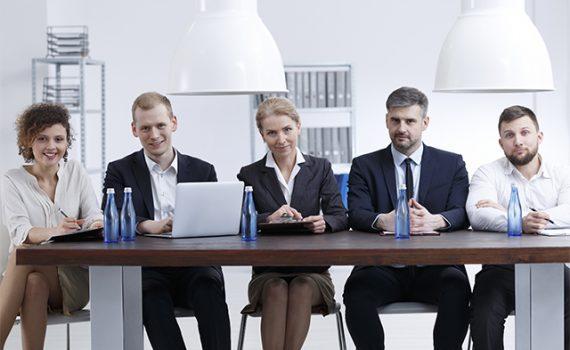 Los negocios familiares han de integrar a los empleados ajenos a la familia