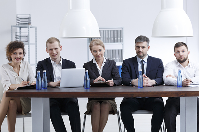 negocios-familiares-integrar-empleados-ajenos
