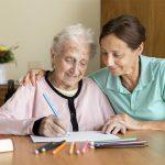 La mayoría de enfermos de Alzheimer reciben asistencia en sus hogares