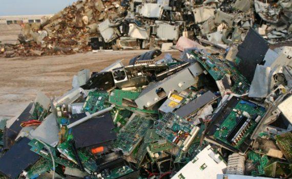 China deja de ser el principal contenedor de basura electrónica del mundo