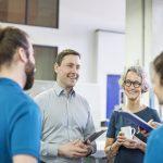 Jefes jóvenes contribuyen en las empresas