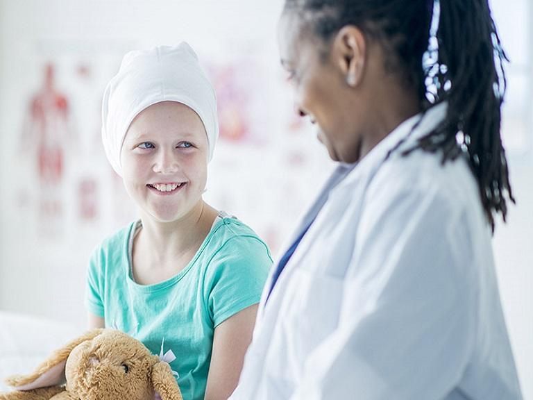 Ejercicios físicos benefician a pacientes de cáncer