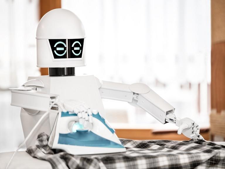 Robots en los hogares y en el espacio
