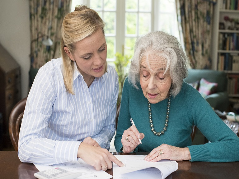 Talleres para impulsar derechos de personas adultas mayores