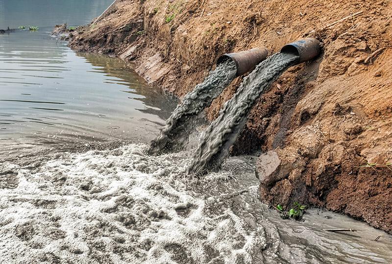 La UE multa a España por la falta de depuración de aguas residuales