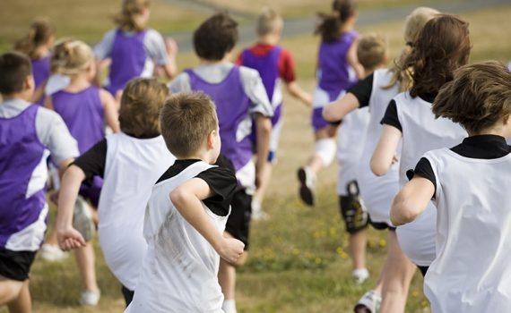 El deporte en la infancia puede traer beneficios para los huesos
