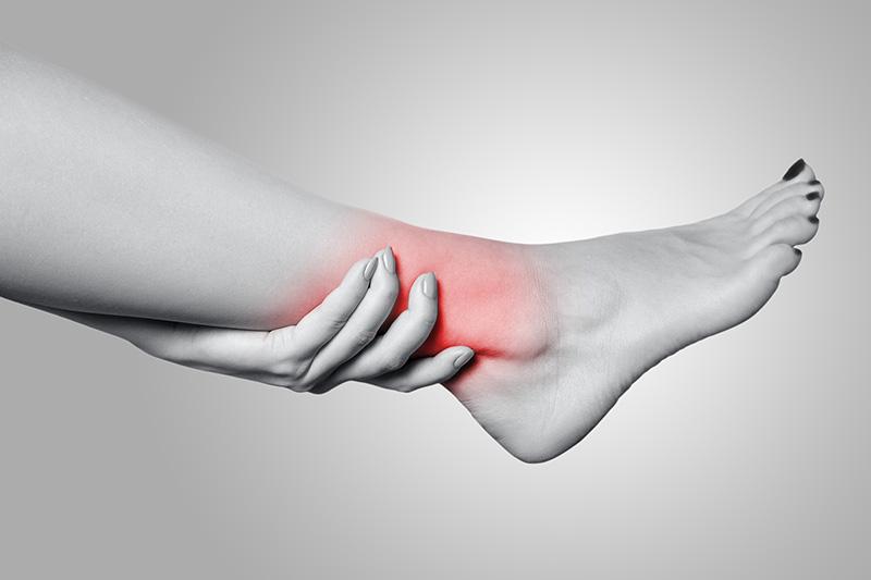 Un estudio publicado recientemente en la revista Knee Surgery, Sports Traumatology, Arthroscopy identifica una nueva estructura en la articulación del tobillo, desconocida hasta ahora. Según los investigadores, este complejo de ligamentos podría ser responsable de la difícil recuperación en las distensiones de tobillo