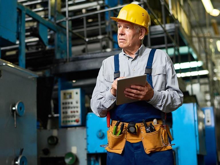 Más del 20% de los adultos mayores sigue trabajando después de los 65