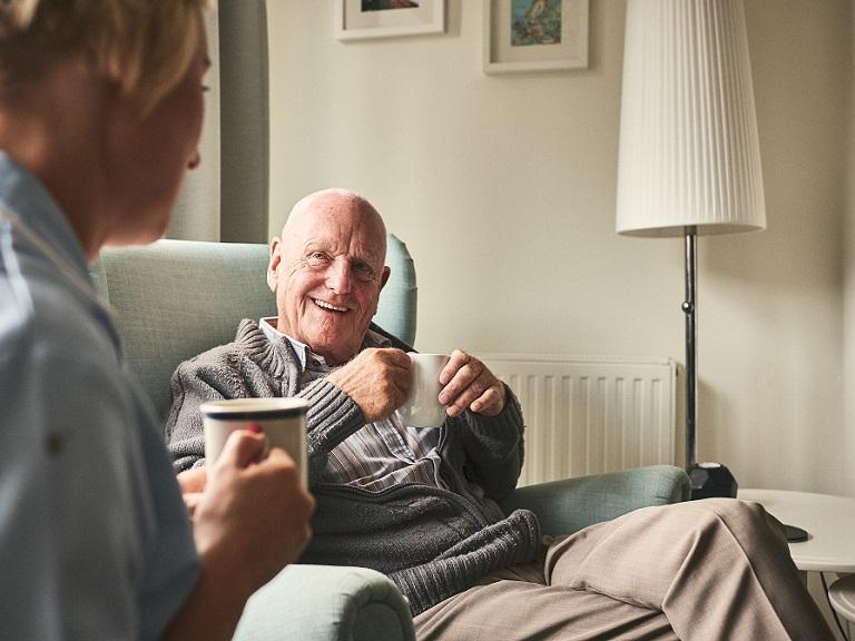 Los beneficios del consumo de café en los adultos mayores