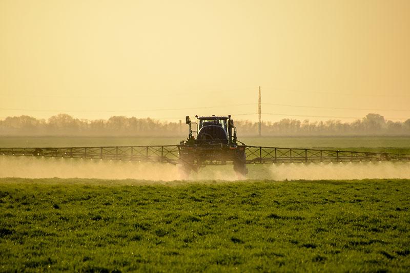 Brasil libera el uso de agrotóxicos