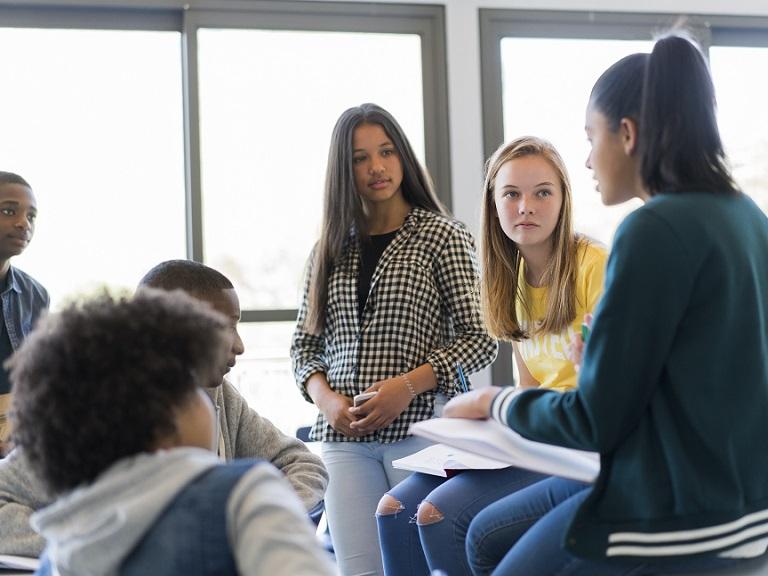 Recursos para fomentar la participación en clases de conversación